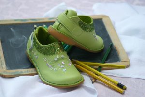childrens-shoes-1035488_1920